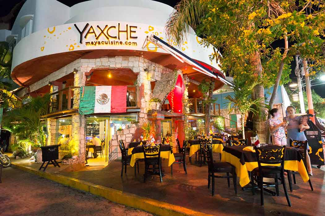 Playa del carmen restaurant guide from locals types for Restaurant guide