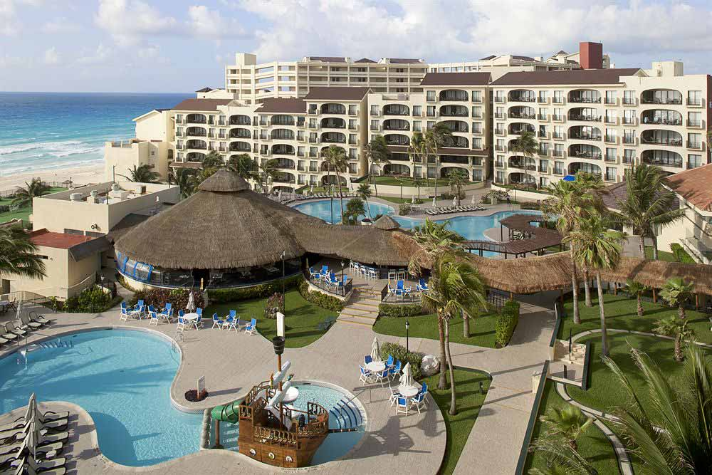 Emporio Hotel and Suites top budget Cancun hotel