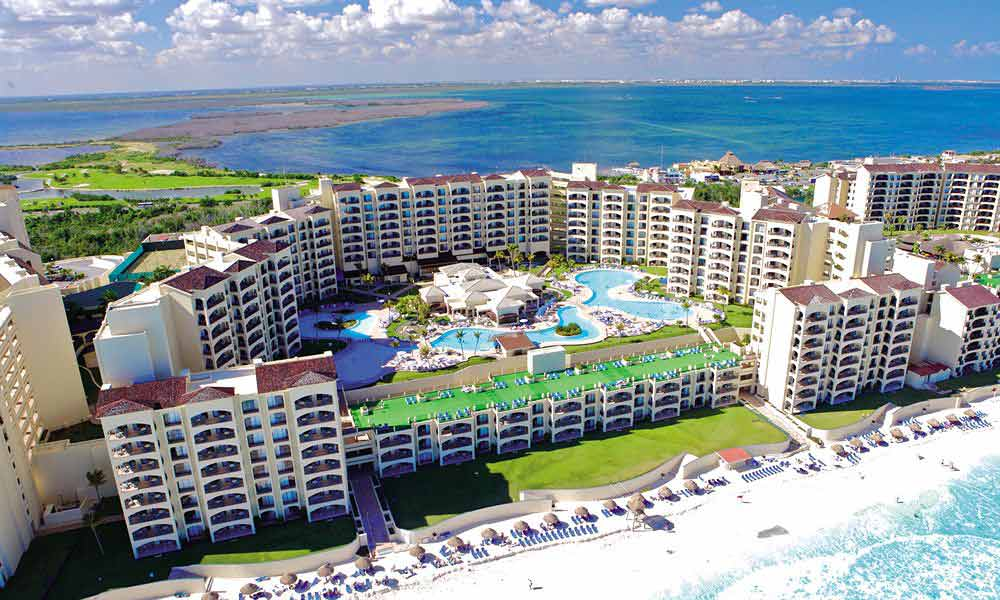 The Royal Caribbean Cancun top budget hotel