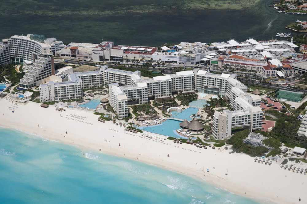Westin Lagunamar Ocean Resort top moderate priced Cancun hotel