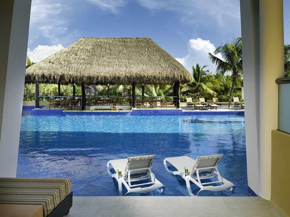 El Dorado Seaside Suites Pool