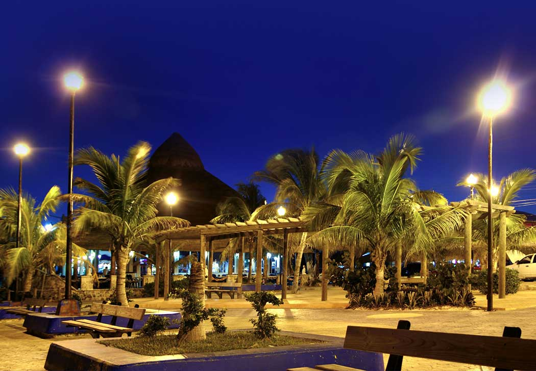 Puerto Morelos at night