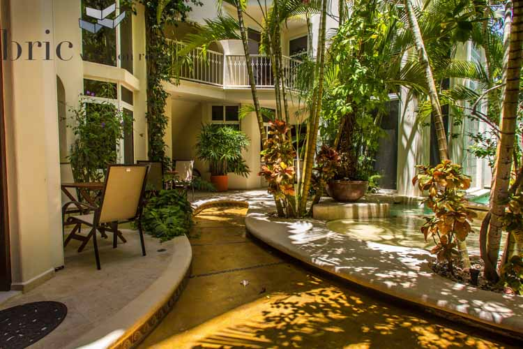 The Royal Palms Courtyard