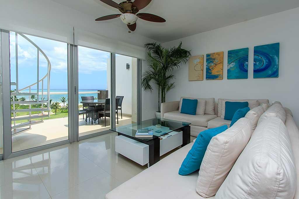 Ocean front condo rental Playa del Carmen