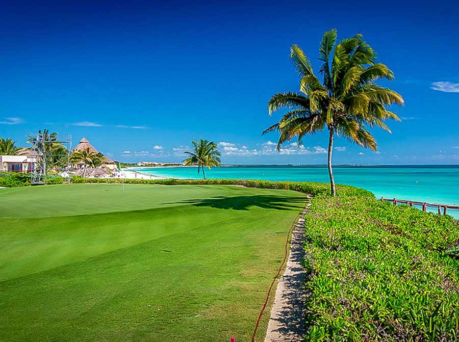 El Camaleon Mayakoba Golf Course near Playa del Carmen