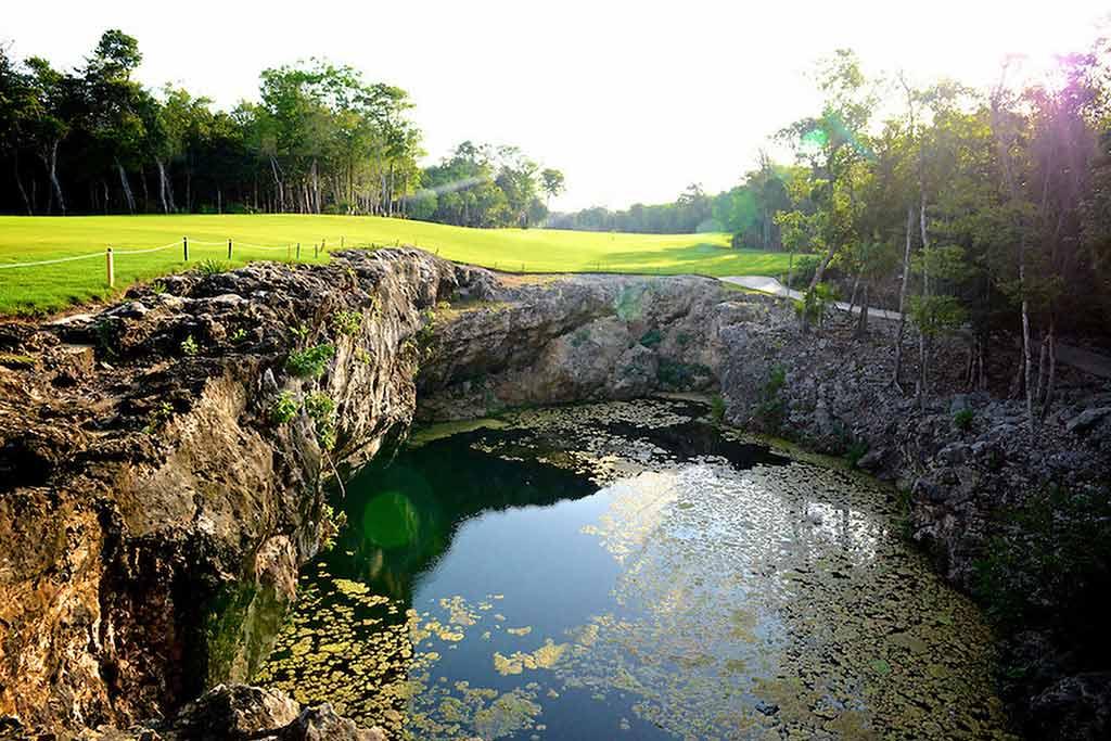 Ola Hola vacation rentals cenote